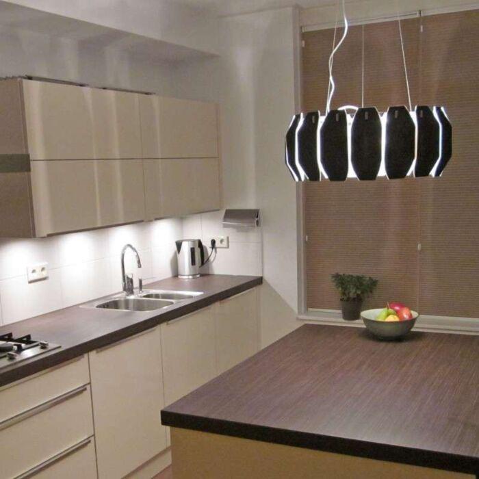 Lampe-à-suspension-Archo-en-chrome---noir