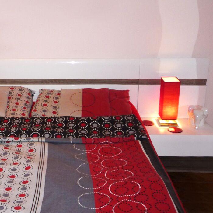 Lampe-de-table-Tower-Touch-acier-rouge