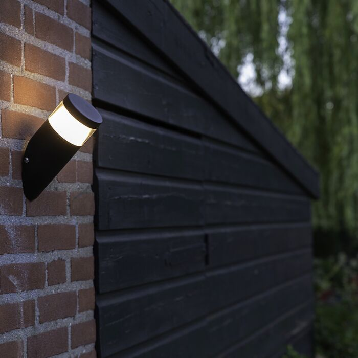 Applique-extérieure-moderne-inclinée-noir-avec-LED---Prim